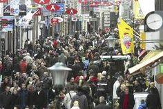 Community shopping, Oad gunt de winst aan zijn klanten.