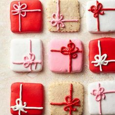 Easy & Simple Christmas Cookie Recipes - Pretty Packages - Click Pin for 20 Cute Christmas Dessert Ideas