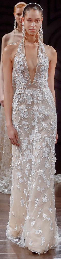 Naeem Khan bridal spring 2017 Sleek hair & statement earrings