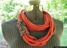 T-shirt necklace. 8 incredible things to do with an old t-shirt