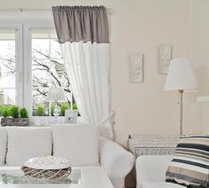 Aranżacja okna, biała sofa, białe zasłony, białe wnętrze - http://www.mkstudio.waw.pl/