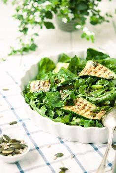 Grüner Grillgemüse-Salat Entdeckt von Vegalife Rocks: www.vegaliferocks.de ✨ I Fleischlos glücklich, fit & Gesund✨ I Follow me for more vegan inspiration @vegaliferocks