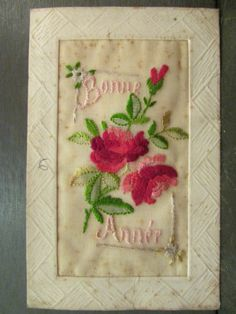 CPA Fantaisie Brodee Broderie Fleurs Roses