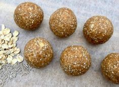 5 Ingredient Protein Rich Chia Peanut Butter Balls