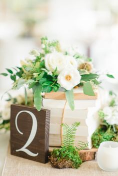 Book details: http://www.stylemepretty.com/2015/03/20/intimate-tent-wedding-at-welkinweir-estate/ | Photography: Rachel Pearlman - http://www.rachelpearlmanphotography.com/