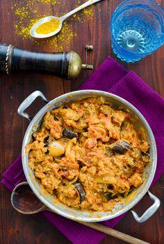 Wie versprochen gibt´s heute das nächste leckere Curry. Die Melanzani eignet sich sehr gut dafür, vor allem leicht bräunlich gebacken aus dem Backrohr.
