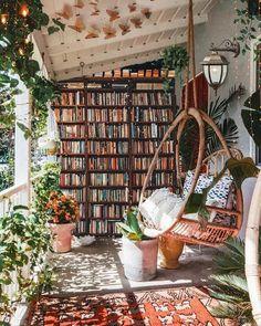 """Westwing.it (@westwing.it) posted on Instagram: """"Che libro state leggendo in questo momento? Lasciate i vostri consigli nei commenti 👇⠀⠀⠀⠀⠀⠀⠀⠀⠀⠀⠀⠀⠀⠀⠀⠀⠀⠀ 🛍 Scoprite le nostre offerte del…"""" • May 1, 2021 at 4:03pm UTC Home Libraries, Interior Decorating, Interior Design, Bohemian Decorating, Decorating Ideas, Decor Ideas, Dream Rooms, My New Room, Cozy House"""