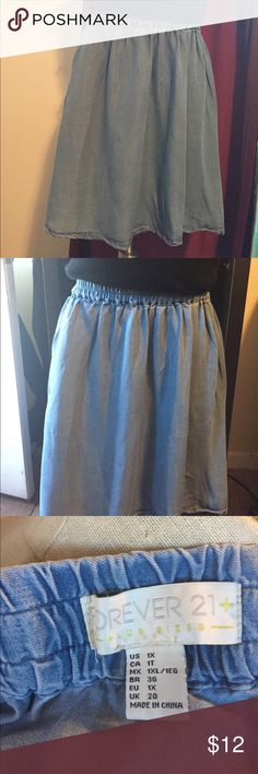 🅿️ Denim Skirt, EUC Light blue jean skirt that goes great with any shoes for any season. Elastic waist band for comfort. Forever 21 Skirts