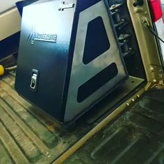 Pickup Tool Boxes, Truck Bed Tool Boxes, Truck Tools, Custom Flatbed, Custom Truck Beds, Custom Trucks, Tool Box Storage, Truck Bed Storage, Shop Storage