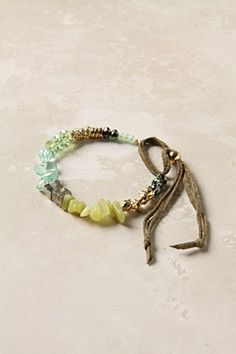 this is exactly how i should make sharron's seaglass bracelet