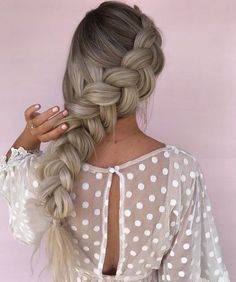39 Trendy + Messy & Chic Braided Hairstyles | Loose Big Braided hairstyle #halfuphalfdown #braids #hairstyles
