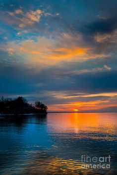 ✯ Sunset Over Lake Ontario
