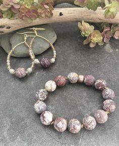 Imitation Jewelry, Beaded Bracelets, Fashion, Moda, Fashion Styles, Pearl Bracelets, Fashion Illustrations, Seed Bead Bracelets, Pearl Bracelet