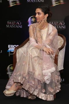 Deepika Padukone launched a new song, 'Deewani Mastani', from her upcoming film 'Bajirao Mastani' at an event on the capital earlier today and the be. Pakistani Dresses, Indian Dresses, Indian Outfits, Indian Clothes, Kurti Designs Party Wear, Kurta Designs, Indian Attire, Indian Wear, Deepika Padukone Style
