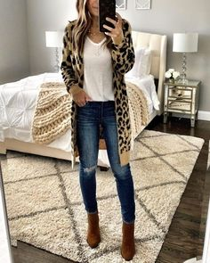 Trendy casual fall outfits with booties - Winter outfits for work casual - Winter Outfits For Teen Girls, Casual Fall Outfits, Fall Winter Outfits, Autumn Winter Fashion, Winter Clothes, Casual Winter, New Year Outfit Casual, Hipster Outfits, Stylish Outfits