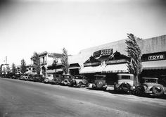 The Piggly Wiggly Market on North Beverly Drive (ca. 1935), photographed by Marc Wanamaker of Bison Archives via Beverly Hills Historical Society.