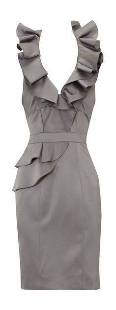 karen millen statement folded dress grey--so elegant Pretty Outfits, Pretty Dresses, Cute Outfits, Karen Millen, Mode Style, Style Me, Classic Style, Look Fashion, Fashion Beauty