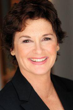 Stephanie Zimbalist est une actrice américaine, née le 8 octobre 1956 à Manhattan,