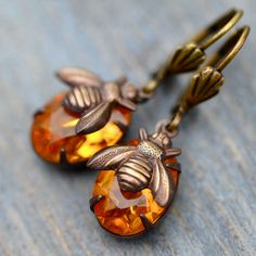 Honey Bee and Amber Glass Jeweled Earrings by ShopHedgerowRose I Love Bees, Do It Yourself Fashion, Bee Art, Save The Bees, Bees Knees, Amber Glass, Bee Keeping, Jewelry Making, Bling