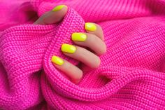 diy manicure tips Manicure Pedicure At Home, Pedicure Tips, Manicure E Pedicure, Nails At Home, Sally Hansen, Maybelline, Ongles Forts, Hangnail, Cuticle Care