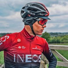 Chris Froome with a new kit Chris Froome, Cycling Sunglasses, Bicycle Race, Pro Cycling, Cyclists, Road Bike, Racing, Olives, Instagram