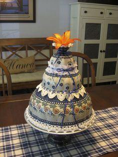 Faux Wedding Cake using Polish Pottery, vintage lace and ribbons. Polish Recipes, Ceramic Decor, Polish Pottery, Awesome Cakes, Nom Nom, Vintage Lace, Cake Designs, Ribbons, Poland