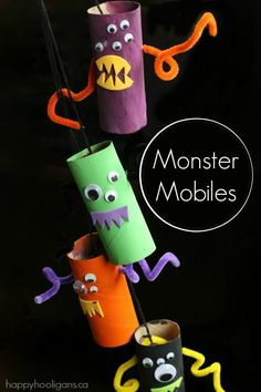 Need a quick and easy Halloween craft for toddlers and preschoolers? Make this adorable monster mobile with a few toilet roll tubes!