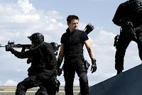 Jeremy Renner The Avengers Hawkeye superhero men males actors swat soldiers warriors weapons assault rifles guns Avengers 2012, The Avengers, Avengers Movies, Hawkeye Avengers, Marvel Actors, Avengers Trailer, Avengers Images, Jeremy Renner, Clint Barton