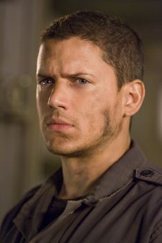 I miss you Michael Scofield! (Still of Wentworth Miller in Resident Evil: Afterlife) Michael Scofield, Resident Evil, Wentworth Miller Prison Break, Youtubers, Constantin Film, Leonard Snart, Dominic Purcell, Sarah Wayne Callies, After Life