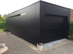 Garage trespa black - Luxury Home Decor - Luxury Homes Carport Garage, Diy Garage, Garage Doors, Garage Ideas, Carport Canopy, Garage Workbench, Pergola, Garage Extension, Extension Ideas