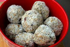 Rýchle a výborné: raw kokosové guličky – Strava zelených Muffin, Ale, Homemade, Breakfast, Ethnic Recipes, Food, Morning Coffee, Home Made, Ale Beer