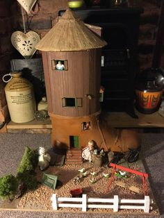 Vintage Handmade Dolls House There Was An Old Woman Who Lived In A Shoe in Spielzeug, Puppenstuben & -häuser, Häuser | eBay!