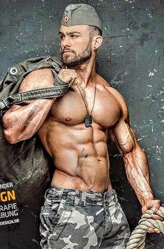 Muscle Hunks, Men In Uniform, Raining Men, Muscular Men, Military Men, Mature Men, Male Form, Sport Man, Male Beauty