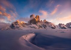 Goggling at Mt. Asgard by Artur Stanisz on 500px