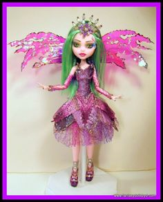 Doll Repainting and Customizing Tutorials: Doll Clothes, Wigs, Hats and Commissions UPDATE Custom Monster High Dolls, Dragon Figurines, Beautiful Fairies, Doll Repaint, Little Monsters, Fairy Dolls, Custom Clothes, Fashion Dolls, Doll Clothes