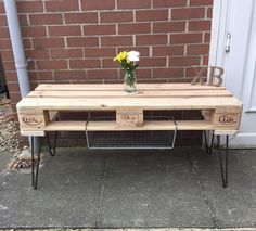 Here is this customized folding multipurpose table that you can use anywhere either as outdoor or indoor furniture. This table is so versatile in use, it can be used as a coffee table in the lounge, or anywhere around the house at the time of need. Believe! there is literally no limitation to what can be done with old pallets.