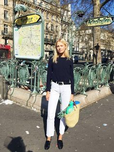Model Michaëla Thomsen has an Instagram feed full of covetable fashion pieces, but it's how she wears jeans and a T-shirt that has us following.