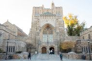 Yale's Halloween Advice Stokes a Racially Charged Debate - NYTimes.com