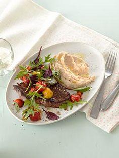 Steak mit warmem Tomatensalat und Bohnenpüree