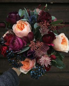Love these colors for a fall or winter wedding.