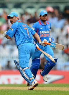 MS Dhoni and Suresh Raina added 73 for the sixth wicket, India v Pakistan, 1st ODI, Chennai, December 30, 2012
