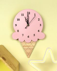 Second on our list is a favourite of all little ones, Its an ice-cream shaped clock! Give your little one an ice-cream for a life time! Cd Crafts, Wooden Crafts, Resin Crafts, Diy Crafts For Kids, Paper Crafts, Cute Clock, Cool Clocks, Stained Glass Birds, Stained Glass Panels