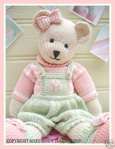 Can't wait to make this lovely teddy bear come to life! CANDY Bear/ Toy/ Teddy Bear Knitting Pattern/ by maryjanestearoom Teddy Bear Knitting Pattern, Knitted Teddy Bear, Teddy Bears, Teddy Bear Patterns Free, Crochet Teddy, Knitted Dolls, Crochet Toys, Knit Crochet, Yarn Dolls
