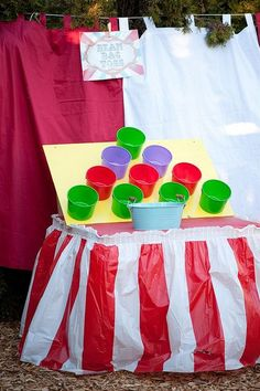 DIY carnival games that are easy and fun. Balloon darts, ring toss, milk bottle toss, spray away and bean bag toss are all fun carnival games. Diy Carnival Games, Fall Carnival, Circus Carnival Party, Kids Carnival, School Carnival, Carnival Birthday Parties, Carnival Themes, Halloween Carnival, Circus Birthday