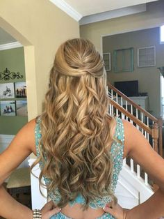 55 Cute Prom Haircuts Ideas For Long Hair - Home Maintenance - No Make Up - Glasses Frames - Homecoming Hairstyles - Rustic House Sweet 16 Hairstyles, Dance Hairstyles, Braided Hairstyles, Wedding Hairstyles, Female Hairstyles, Formal Hairstyles Down, Casual Hairstyles, Simple Prom Hairstyles, Prom Hairstyles For Long Hair Half Up