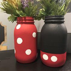 Mickey and Minnie Mason Jar Set Mason Jar Art, Mason Jar Crafts, Bottle Crafts, Diy Jars, Disney Diy, Disney Crafts, Theme Mickey, Mothers Day Crafts For Kids, Painted Mason Jars