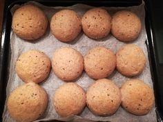 Magvas zsemle teljes kiőrlésű lisztből (IR-barát) Hamburger, Muffin, Paleo, Potatoes, Bread, Vegetables, Breakfast, Recipes, Food