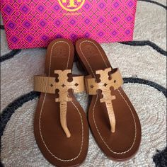 LAST DAY! Tory Burch Moore City Sandals Size 8 Tan NEW Tory Burch Moore Heeled Sandals! Color is Royal Tan! Size 8! I don't have matching box but will include box from past purchase of Tory burch shoes along with a brand new dust bag! Retail Value of these shoes is $225 :) great price for brand new Tory Burch low heeled sandals!! NO TRADES❌ Tory Burch Shoes Sandals