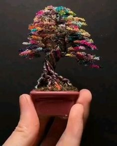 Diy Crafts Hacks, Diy Crafts For Gifts, Diy Arts And Crafts, Creative Crafts, Wire Art Sculpture, Tree Sculpture, Sculpture Painting, Copper Wire Art, Bonsai Wire