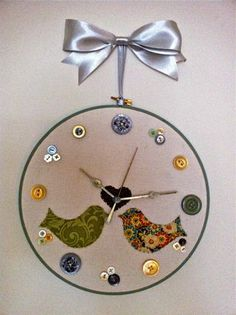 Finish Embroidery Hoop Clock.jpg